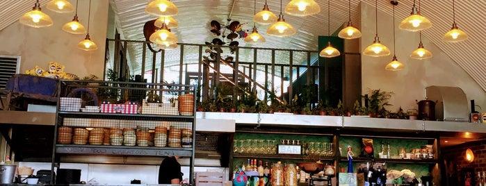 Arepa & Co is one of Locais curtidos por María.