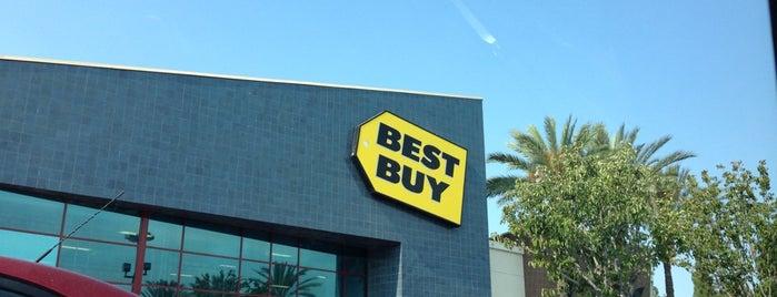 Best Buy is one of Posti che sono piaciuti a Jason.