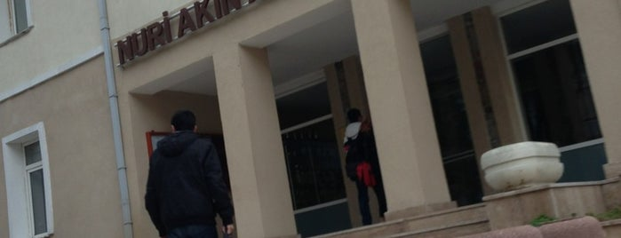 Nişantaşı Nuri Akın Anadolu Lisesi is one of Locais curtidos por Bengü Deliktaş.