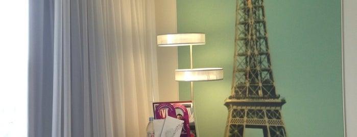 Mercure Paris Vaugirard Porte de Versailles Hotel is one of Yves'in Beğendiği Mekanlar.