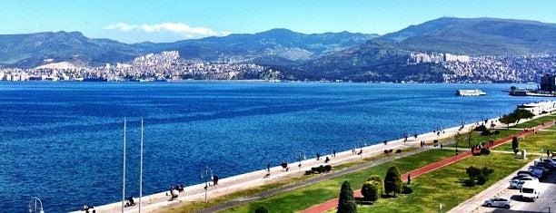 İzmir Palas Otel is one of Tempat yang Disukai Erdem.