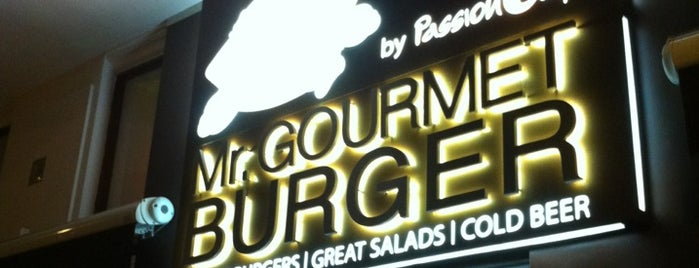 Mr. Gourmet Burger is one of Davidさんのお気に入りスポット.