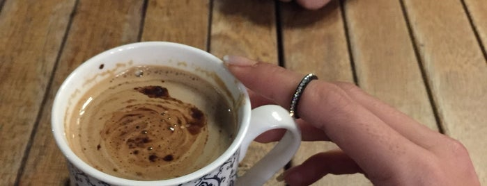 Kendince Cafe is one of Posti che sono piaciuti a Yaşam Ve Moda Notlarım.