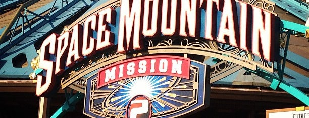 Space Mountain: Mission 2 is one of Posti che sono piaciuti a Richard.