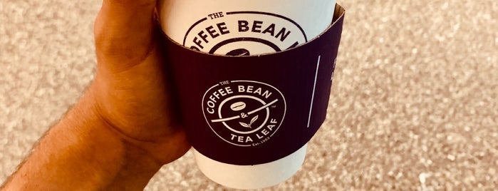 Coffee Bean and Tea Leaf is one of Davidさんのお気に入りスポット.