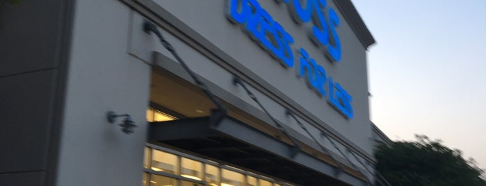 Ross Dress for Less is one of Lugares favoritos de Angeles.