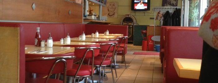 Doris Diner is one of Moin Moin, Hamburg!.