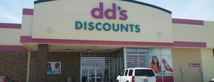 dd's DISCOUNTS is one of Locais curtidos por Marlanne.
