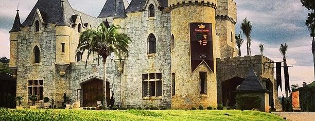 Castelo de Itaipava is one of Petrópolis.