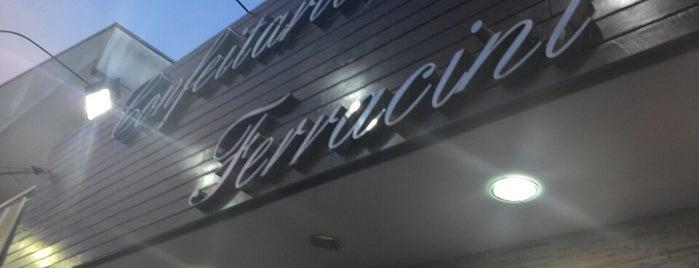 Panificadora e Confeitaria Ferracini is one of Lugares freqüentados!!!.