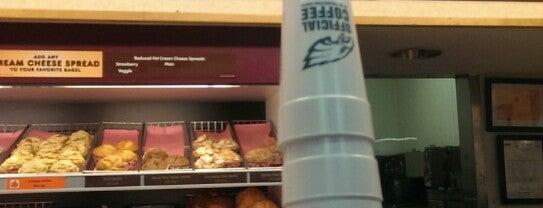 Dunkin' is one of Lugares favoritos de obLIViousM00d300.