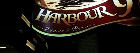 Harbour 9 is one of Medan culinary spot.