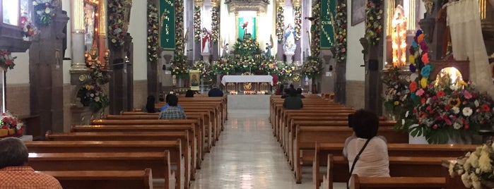 Parroquia de San Antonio de Padua is one of Lugares favoritos de R.