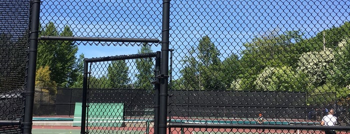 Amy Yee Tennis Center is one of Ahmadさんのお気に入りスポット.