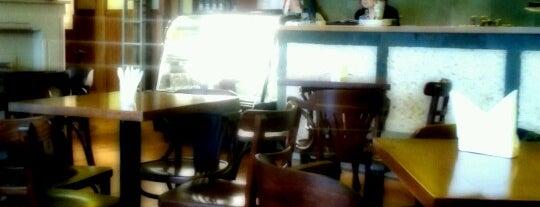 Café Tostado is one of Tempat yang Disukai Haron J..