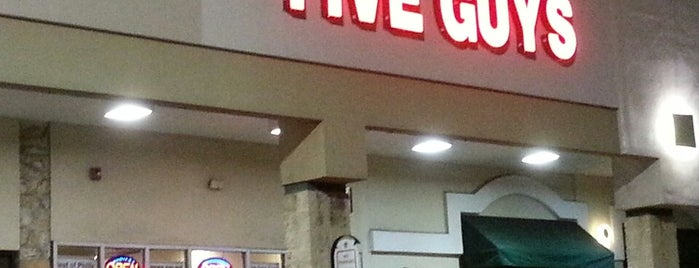 Five Guys is one of Posti che sono piaciuti a Chris.