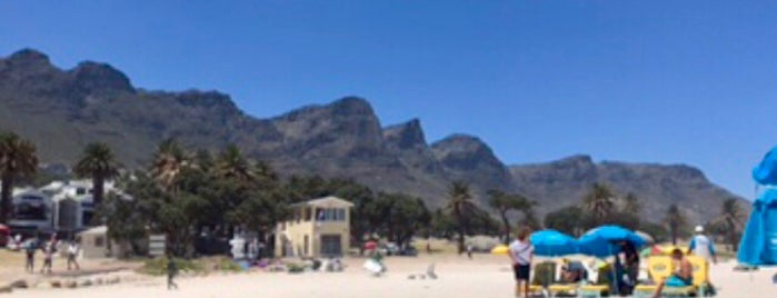 Camps Bay Beach is one of Posti che sono piaciuti a Carola.