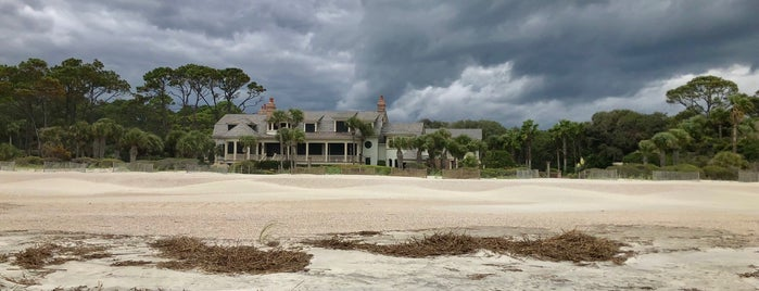 Sea Pines Plantation is one of Jared's Liked Places.