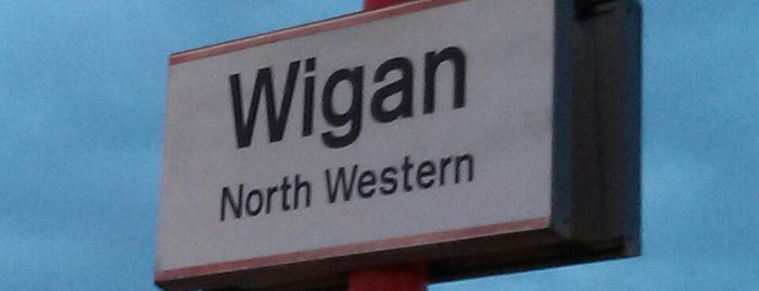 Wigan North Western Railway Station (WGN) is one of Locais curtidos por Ricardo.