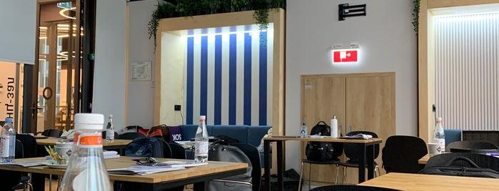 Hyatt Regency is one of Locais curtidos por Jano.