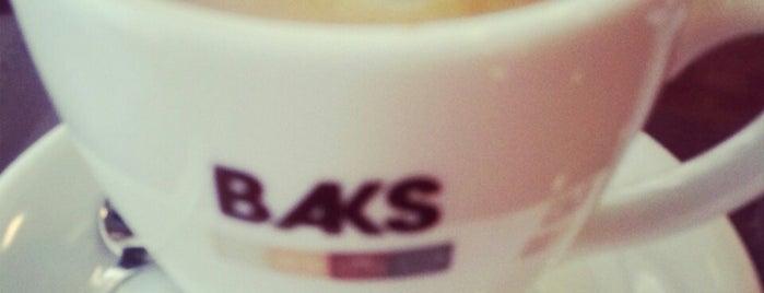 Baks Bakery & Snacks is one of สถานที่ที่ Serkan ถูกใจ.