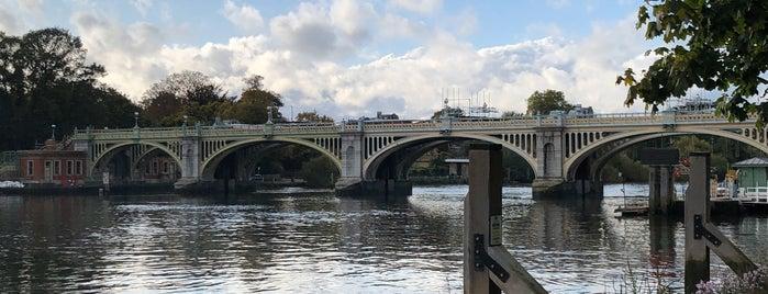 Richmond Lock & Weir is one of Lugares favoritos de Del.