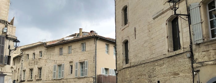 Villeneuve-lès-Avignon is one of Locais curtidos por Leslie.