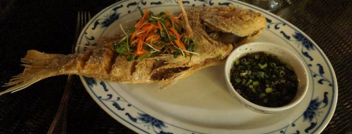 Naupaka Terrace Restaurant is one of Posti che sono piaciuti a Alyssa.