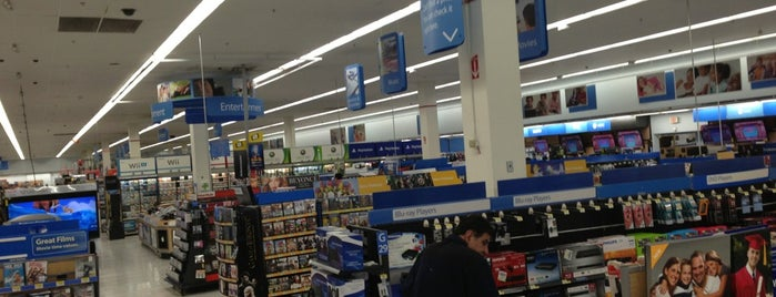 Walmart is one of Denis 님이 좋아한 장소.