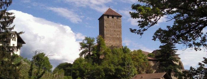 Castel Tirolo is one of lutschbirneさんのお気に入りスポット.