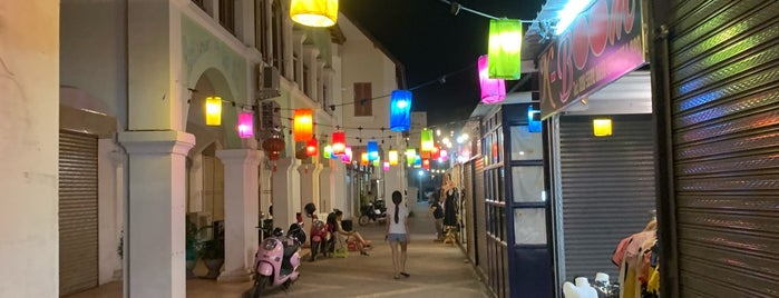 Vientiane Night Street is one of Laos.