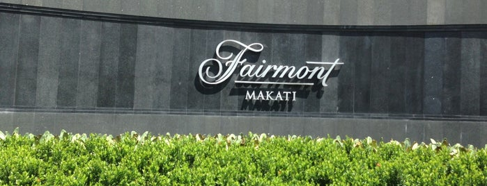 Fairmont Makati is one of Lieux qui ont plu à Andrew.
