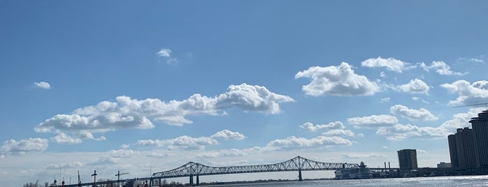 The Mississippi River is one of Kayla 님이 좋아한 장소.