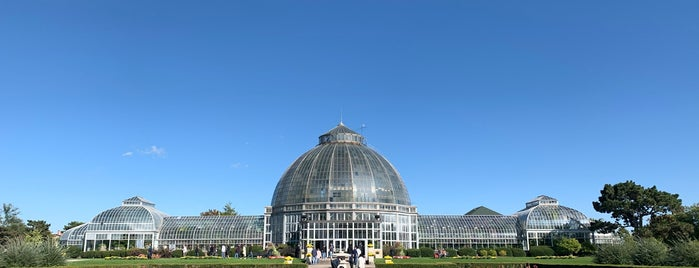 Anna Scripps Whitcomb Conservatory is one of Lugares favoritos de Kayla.