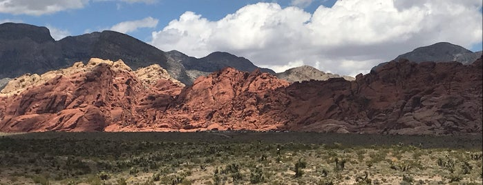 Red Rock & Ice Box Canyon is one of Tempat yang Disukai Kayla.
