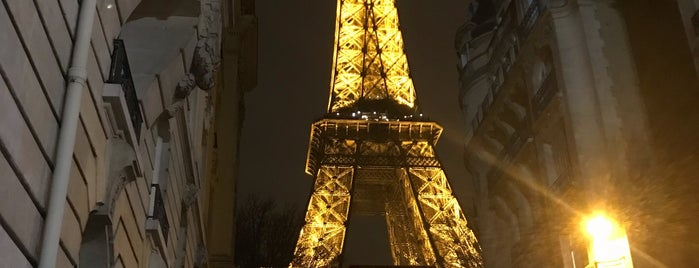 Torre Eiffel is one of Lugares favoritos de Kayla.