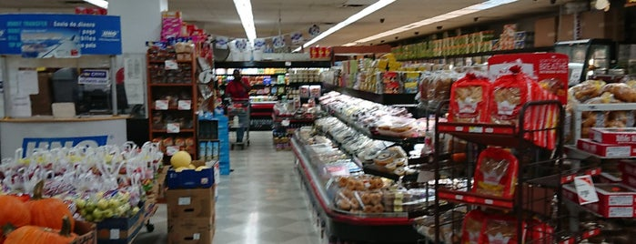 Fine Fare Supermarket is one of สถานที่ที่ Tariq ถูกใจ.