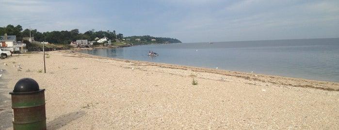 Southold Beach is one of Swen'in Beğendiği Mekanlar.