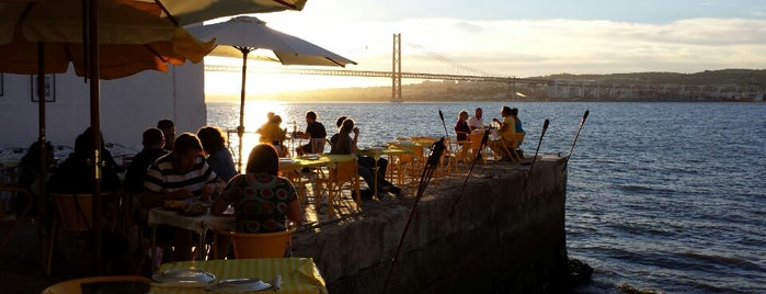 Ponto Final is one of Lisbon is for Lovers.