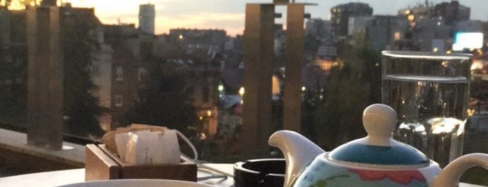 Coffee, Tea & Sympathy is one of Belgrad.