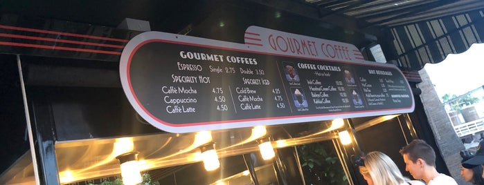 Gourmet Coffee is one of Lugares favoritos de Mark.