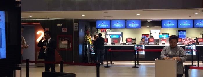 Cinemex Premium is one of Lieux qui ont plu à Anapaula.