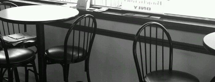 Cafe Bagelicious is one of Joseph'in Beğendiği Mekanlar.