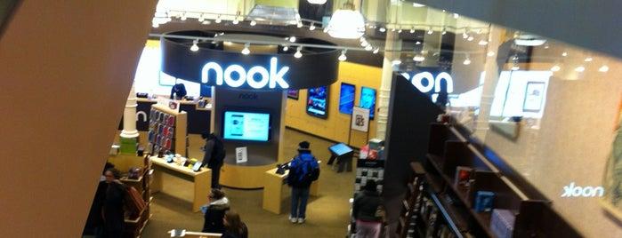 Barnes & Noble is one of #myhints4NewYorkCity.