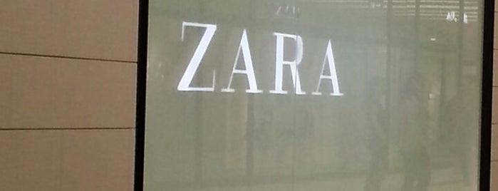 ZARA is one of สถานที่ที่ Boyana ถูกใจ.