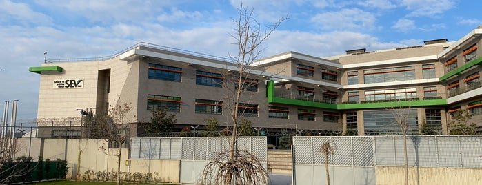 SEV American College is one of Fuat'ın Beğendiği Mekanlar.