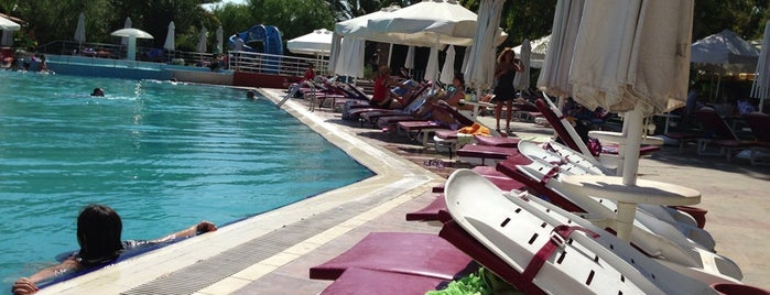 Haliç Park Hotel / Havuzbaşı is one of Murat karacimさんのお気に入りスポット.
