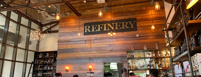 Refinery is one of Gabbieさんのお気に入りスポット.