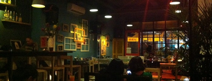 The Doors Café is one of Lugares guardados de Ayna.