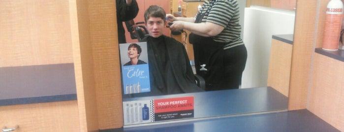 Fantastic Sams Hair Salons is one of Posti che sono piaciuti a DZalumni.